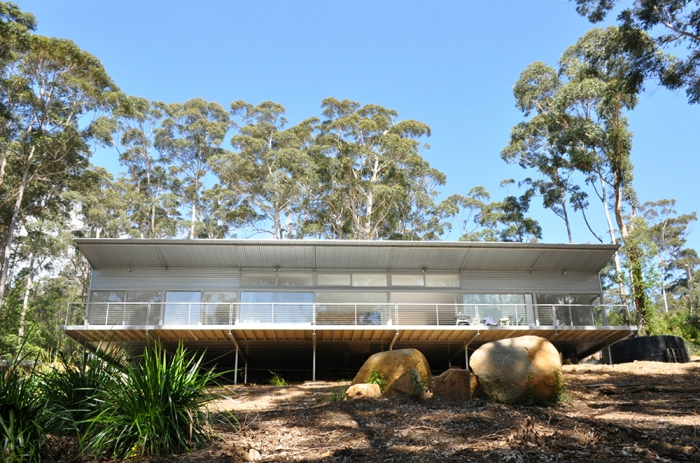 bushfire resistant house design build karri fire house architects Ian Weir and Kylie Feher Denmark Western Australia